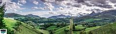Arette village et environs - Vallée de Barétous (https://pays-basque-et-bearn.pagexl.com/) Tags: 64 arette valléedubarétous hautbéarn pyrénéesatlantiques paysage prairies abres nature colinebuch village nuages montagne