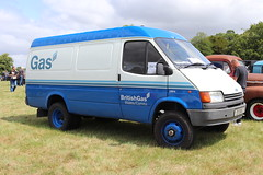 Ford Transit 160 British Gas E111SAX (Andrew 2.8i) Tags: festival unexceptional buckinghamshire middle claydon meet show coche voitures voiture autos auto cars car british panelvan commercial utility utilities offroad 4x4 4wd britishgas 160 transit ford e111sax