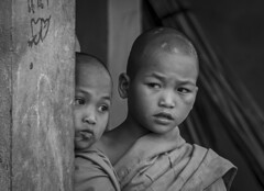 Young monks (Lode Engelen - ลุงฝรั่ง) Tags: monks boys myanmar portrait happyplanet asiafavorites