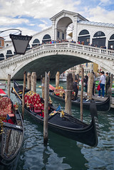 Ponte Rialto (Nigel Musgrove-3 million views-thank you!) Tags: rialto bridge ponte venezia italia italy grand canal gondolier