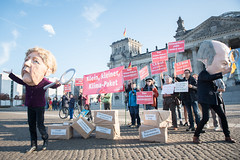 Klimapaket_25-10-2019 (campact) Tags: klimapaket aktion demo campact klimaschutz klimawandel klimapolitik bundestag scholz merkel protest streik