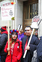 English Language Supports Are Important / Los apoyos del idioma inglés son importantes (kirstiecat) Tags: dayofthedead englishlanguagelearners ell chicagopublicshools chicagoteachers strike enhuelga chicagoteachersunion socialjustice humanrights immigrants learning supports people chicago street