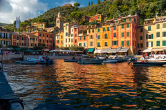 Sirens on the rooftops wailing, but there's no ship sailing (.KiLTЯo.) Tags: kiltro it italia italy liguria portofino coast shore town sea ocean mar mare houses architecture colour color reflection boat ship yacht port bay