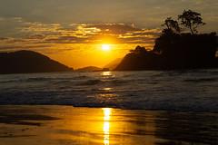 Praia Castelhanos (nnessies) Tags: canon photo nascerdosol praia castelhanos ilhabela ilha bela
