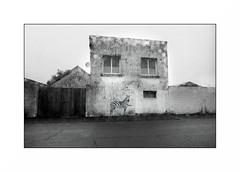 Lorient, zone portuaire (Punkrocker*) Tags: nikon fm2n nikkor ais 28mm 2828 wide film kodak tmax 400 nb bwfp bnw monochrome street city harbor lorient anoriant keroman port morbihan bretagne brittany france