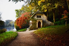 The little thatched cottage (Nige H (Thanks for 25m views)) Tags: cottage nature landscape woods autumn trees fall wiltshire nationaltrust england stourhead