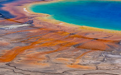 bacterial mats surrounding Grand Prismatic Spring (kleiner_eisbaer_75) Tags: grand prismatic spring yellowstone nationalpark wyoming usa thermal energy thermalquelle quelle heis hot geothermal colors farben