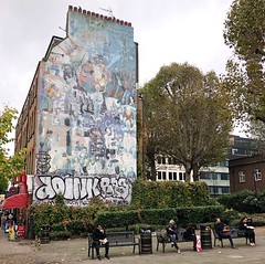 The Urban Picnic (Steve Nimmons | Author) Tags: london streetart picnic outside food lunch mural graffiti street art publicart streetphotography