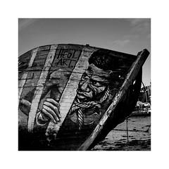 Esclave de l'épave 2 (Loïc Gouyette) Tags: square carré nb bw wb people art draw paint breta e bretagne épave wreck boat bateau