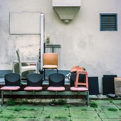 Pearl's Hill Terrace (alkanphel) Tags: hasselblad 501cm zeiss planart2880cfe film analog mediumformat e6 120 6x6 urban fujifilm fujichrome provia100f rdpiii chairs