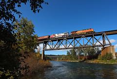 Crossing the Spokane (Moffat Road) Tags: bnsf graintrain bridge river water irvin spokane washington train locomotive railroad wa spokaneriver bnsfpendoreillesub trentwood