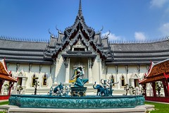 Replica of Sanphet Prasat Palace with sculptures and fountains in Muang Boran (Ancient City) in Samut Phrakan, Thailand (UweBKK (α 77 on )) Tags: muang mueang boran muangboran ancient city siam open air museum park garden recreation education culture cultural samutphrakan samut phrakan province bangkok thailand southeast asia sony alpha 77 slt dslr replica sanphet prasat palace building architecture sculpture fountain