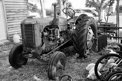 Case Tractor (Bytormsa) Tags: nikon tmax nikkor bw case tractor antique