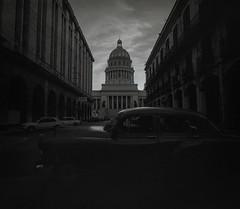 Streets of Havana - Cuba (IV2K) Tags: havana habana lahabana cuba cuban cubano kuba caribbean blackandwhite bw analogue film filmphotography 120film 120 mediumformat grain grainy mamiya mamiya7 mamiya7ii kodaktrix trix hiphavana ishootfilm istillshootfilm staybrokeshootfilm shootfilm
