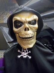 HalloweenFace (SoS) (myphotomailbox) Tags: rotterdam netherlands zuidplein winkelcentrum indoor smileonsaturday creepycreatures halloween death