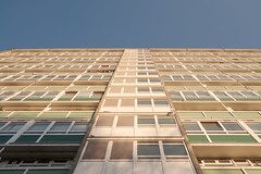 Marie Curie House - Detail (photosam) Tags: london england unitedkingdom fujifilm xe1 fujifilmx prime raw lightroom xf18mm12r xf18mmf2r camberwell southwark southlondon architecture modernist councilhousing socialhousing highrise sceauxgardensestate