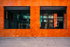 Durchblicke (manganite) Tags: nikon nikonz nikonz6 z6 architecture badenwürttemberg buildings catchycolors closeup color colors colours details deutschland dslm europa europe fenster fullframe gebäude germany konstanz lessismore minimal minimalism minimalismus minimalistic minimalistisch mirrorless orange photographer red simple simplicity windows manganite lightroom f71 iso100 25mm nikkorz2470mmf4s 2019