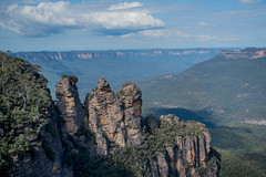 The Three Sisters (Ian Hearn Photography) Tags: blue mountains national park new south wales nsw australia three sisters nikon d500 nikkor 1855 kit lens young photographers landscapes ian hearn photography wwwianhearncom camera nature natural