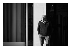 (David Ian Ross) Tags: shapes portrait everydaypeople sunlight street candid bright town evening composition shorts