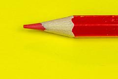 6M7A8215 (hallbæck) Tags: farveblyant farve colourpencil rød gul red yellow brightcolour colour bright crayondecolour intense drawingtool macro mh hørsholm denmark canoneos5dmarkiii ef100mmf28lmacroisusm