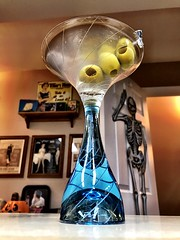 2019 298/365 10/25/2019 FRIDAY - Martini 🍸 (_BuBBy_) Tags: 2019 298365 10252019 friday martini 🍸 10 25 298 365 365days project project365 october fri fr f 7 seven days martinis
