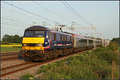 90019, 1P05 (Jason 87030) Tags: first barbie purple 90019 scotrail skoda easenhall rugby warks warwickshire train leccy electric ac loco passenger ts lineside location vermin virgin friday london euston preston wcml westcoastmainline wires power