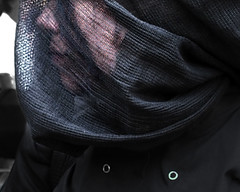 Zinneke ¬ 0908 (Lieven SOETE) Tags: zinneke parade zinnekeparade urban city street public space ciudad ville citta stadt rue calle carrer strada strase straat espace art artistic kunst artistik τέχνη arte искусство feest fiesta fête party performance festival apresentação espetáculo intercultural interculturel diversity mixity mixité diversiteit diversité vielfalt πολυμορφία diversità diversidad çeşitlilik people люди human menschen personnes persone personas umanità young junge joven jeune jóvenes jovem lady woman female 女士 vrouw frau femme mujer mulher donna жена γυναίκα