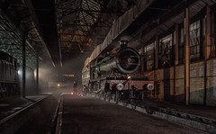 Relaxation before a nights work. (photofitzp) Tags: 5900 cameo collet didcot gwr hallclass hindertonhall locomotive motivepowerdepot nightphotography railways timelineevents
