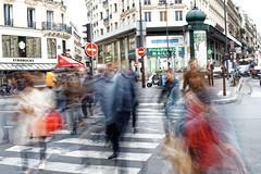Projet : 50mm Paris sous la pluie #21 (Paolo Pizzimenti) Tags: projet pluie paris 50mm olympus zuiko omdem1mkii 25mm f18 film pellicule argentique