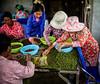 Tri manuel du poivre rouge à La Plantation, Kampot (StefSup) Tags: kampotcambodge 35mmf14dghsm|aé poivre redpepper greenpepper aoc blackpepper laplantation kampot épices