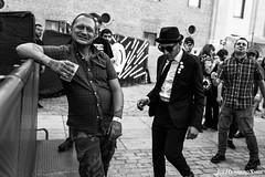 Old School (Joe Herrero) Tags: concierto gente street gig festival