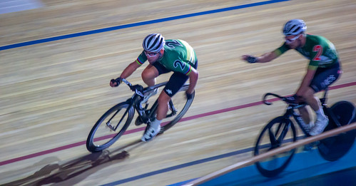 Mark cavendish and Owain Doull. Team Elimination race