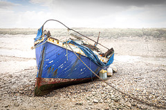 RMS Mauretania lifeboat (MixPix ) Tags: rmsmauretania lifeboat sea rain beach marsh morstonquay norfolk uk wreck boat