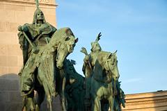 Árpád (c 895-907), (tim ellis) Tags: holiday budapest geo:lat=4751467689 geo:lon=1907788544 geotagged statue árpád magyar chieftain heroessquare millenniummonument hungary