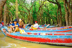Mangroves Transport - Siem Reap, Cambodia (JR Marquina) Tags: canon travel southeastasia explore mangroves siemreap cambodia ngc