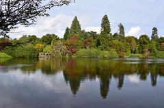 Reflections on the lake #1 (MJ Harbey) Tags: lake water reflections sheffieldparkandgardens sheffieldpark nationaltrust uckfield eastsussex trees autumn nikon d3300 nikond3300 sky clouds
