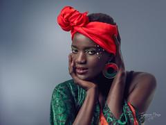 19 10 20 - Amina (Nape10) Tags: amina portrait retrato olympus omdmii zuiko micro43 microfourthirds