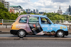 LTI TX4 in Whitley Neill livery (Ian Press Photography) Tags: cab carriage car cars transport taxi taxis london whitley neill livery gin international lti tx4