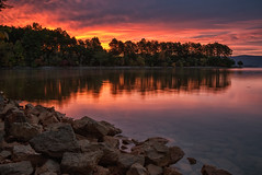 Smith Mountain Lake (Vincent1825) Tags: 31mm landscape sunrise lake pixelshift pentax