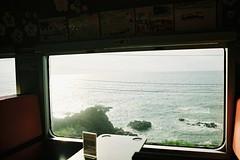 日本海 Japan Sea (しまむー) Tags: pentax mz3 smc a 28mm f28 kodak gold 200 北海道&東日本パス 普通列車 local train trip east japan