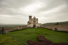 Umbria_201904_DSC6458 (Maarten1979) Tags: italy italia umbria assisi church churchyard