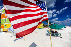 Stars &Stripes on the Beach (mysterious-man) Tags: beach strand sand blue sky himmel cloud wolken fahne usa florida südwest color farbig bunt