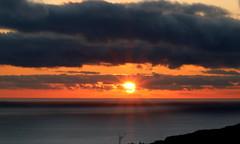 Tramonto sull'oceano - Ocean sunset (Raffa2112) Tags: tramonto sole mare oceano grigio arancio raggi sunset sun ocean orange gray sunrays azores canoneos750d raffa2112