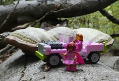 pink, Pink, P!NK (captain_j03) Tags: toy spielzeug 365toyproject lego minifigure minifig car auto jeep 6wide pink matchbox