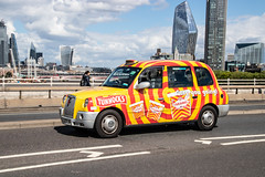 LTI TX4 in Tunnock's livery (Ian Press Photography) Tags: cab carriage car cars transport taxi taxis london international lti tx4 tunnocks livery