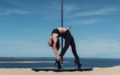 (dimitryroulland) Tags: nikon d750 50mm 14 dimitryroulland arcachon pilat pyla dune sand sable poledance poledancer pole dance dancer flexible people flexibility natural light nature fitness fashion