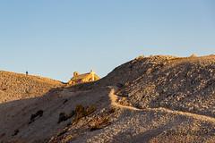 Golden hour sur la Chapelle Sainte Croix - Mont Ventoux (jean-louis21) Tags: automne ventoux golden hour sentier chapelle mont
