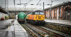 56302 running around in Ayr station (robmcrorie) Tags: colas class 56 ayr station 56302 grangemouth prestwick aviation fuel tanks 1z10 nikon d850