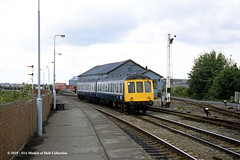 13/05/1987 - Gainsborough (Lea Road), Lincolnshire. (53A Models) Tags: britishrail derby heavyweight class114 dtcl e54015 dmu diesel passenger learoad gainsborough lincolnshire train railway locomotive railroad