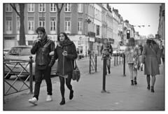 DSCF9383 (srethore) Tags: photo de rue street bw candid people meike 35mm